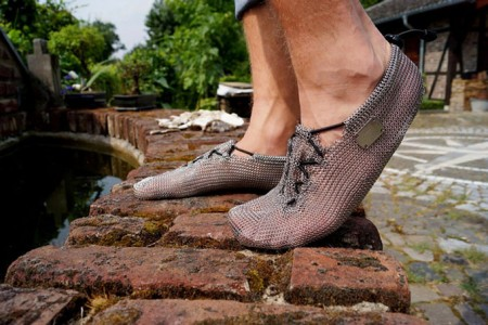 Chainmail-Running-Shoes